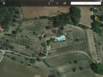Satelite view luxurious holidayhome for rent Cotignac